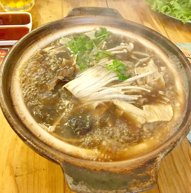 Bak Kut ist ein populärer chinesischer Curry in Malaysia, in Singapur, in China, in Taiwan und in einigen Städten in Anliegerstaa lizenzfreie stockfotografie