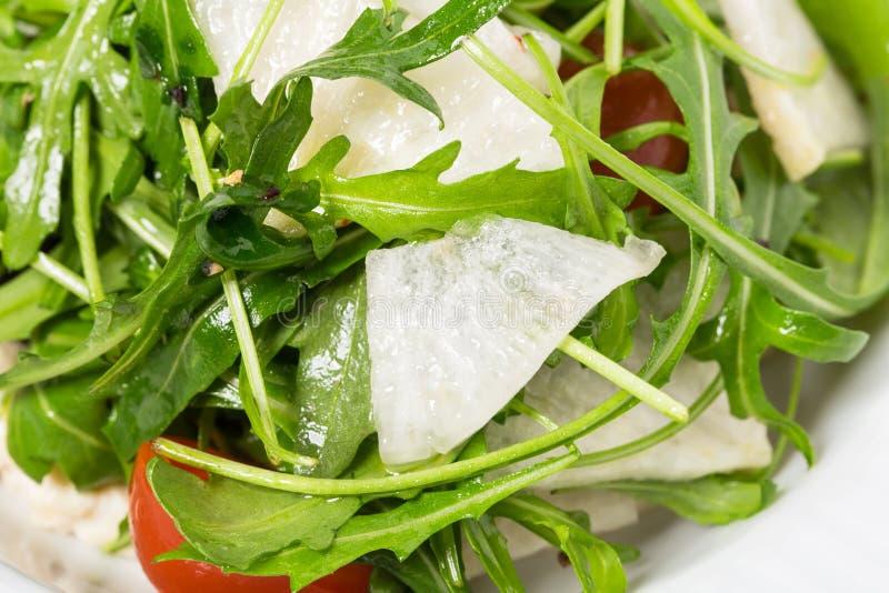 Bakad auberginesallad med nya grönsaker royaltyfria foton