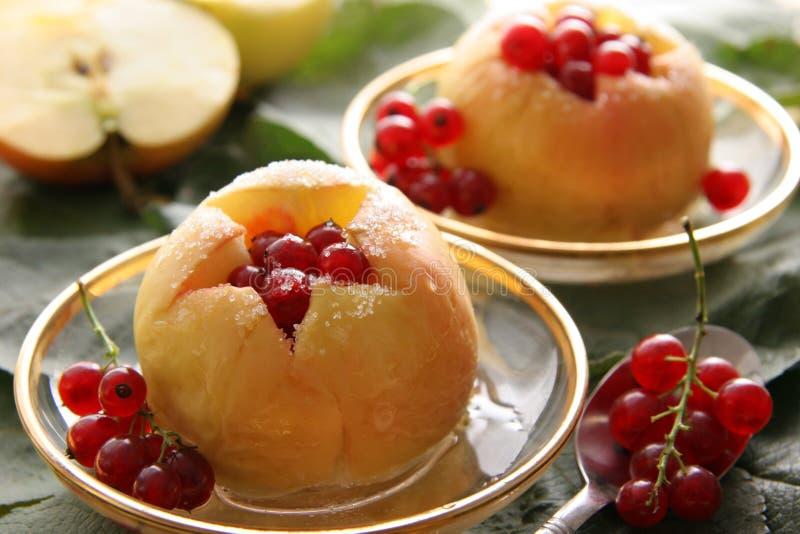 bakade äpplen royaltyfria foton