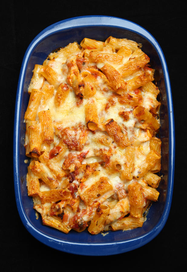 Baked Pasta With Chicken & Cheese Royalty Free Stock Image