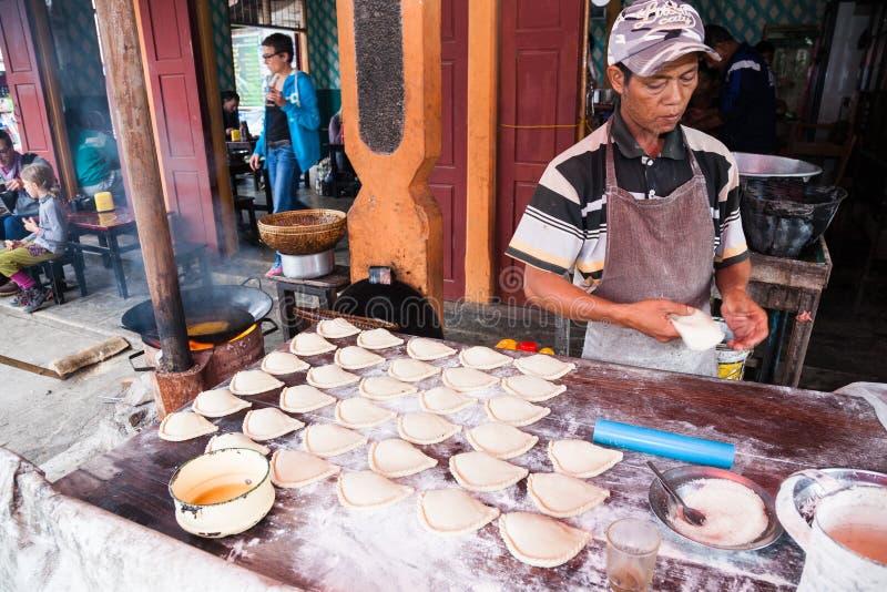 Bakelseförsäljare, Myanmar royaltyfri foto