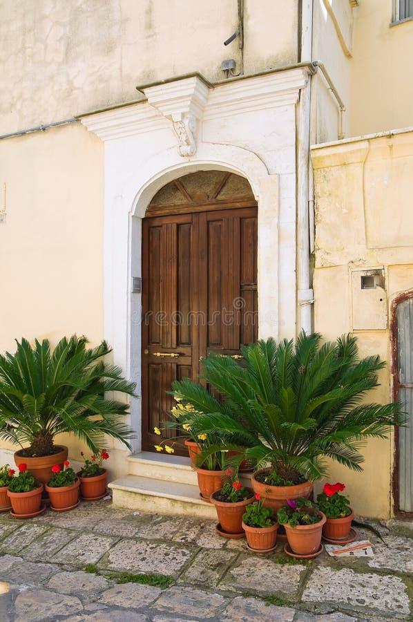 Bakgata. Montescaglioso. Basilicata. Italien. arkivbild