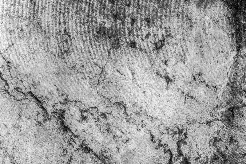 Bakgrund av svartvitt marmorerar textur med spårar av sågen royaltyfri fotografi