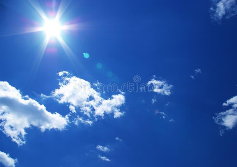 bakgrund clouds sunen royaltyfri foto