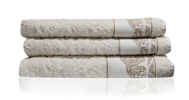 Bakgrund för bad för handdukar vit isolerad bunt arkivbilder