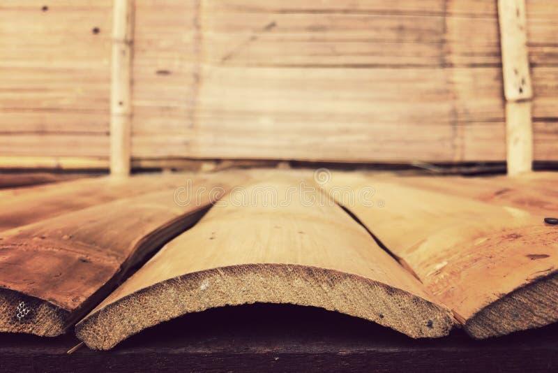 Bakgrund för bambuväggtextur, plankabambuträ för den grafiska ställningsprodukten, tappning arkivfoton