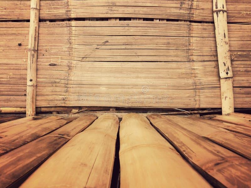 Bakgrund för bambuväggtextur, plankabambuträ för den grafiska ställningsprodukten, tappning royaltyfria bilder