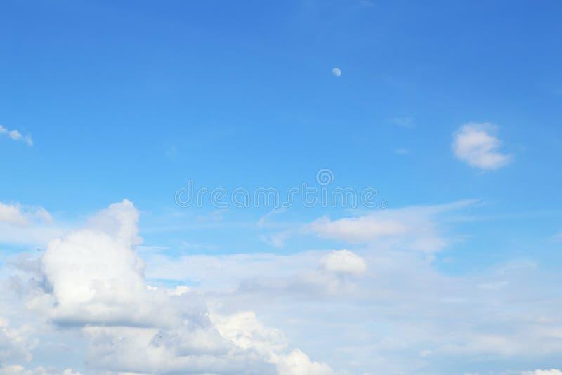Bakgrund för blå himmel royaltyfria bilder
