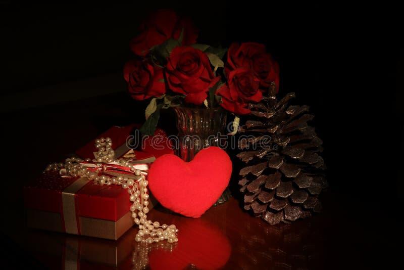 Bakgrund för gåva för dag för StValentine ` s, goda för hälsningkort royaltyfri foto
