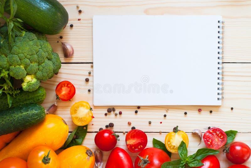 Bakgrund för organisk mat royaltyfria foton