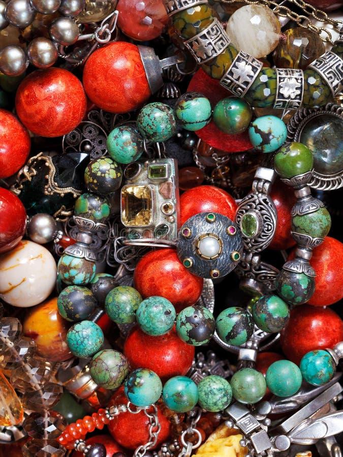 Bakgrund från antika smycken royaltyfri fotografi