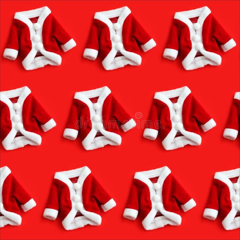 Bakgrund n för modell för dräkt för julbakgrundsSanta Claus Saint Nicholas mini- lag dräkter isolerad färgglad sömlös royaltyfri bild