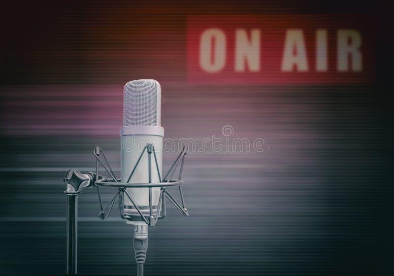 bakgrund som fäster professional borttagande sikt för lätt främre mikrofonbana ihop arkivfoton