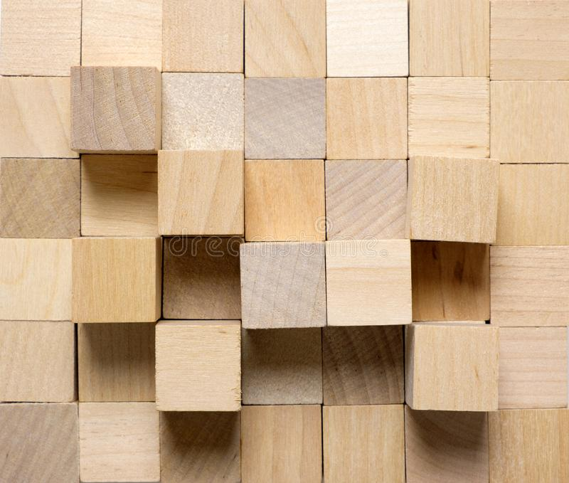 Bakgrund som göras från olika träkuber arkivbilder
