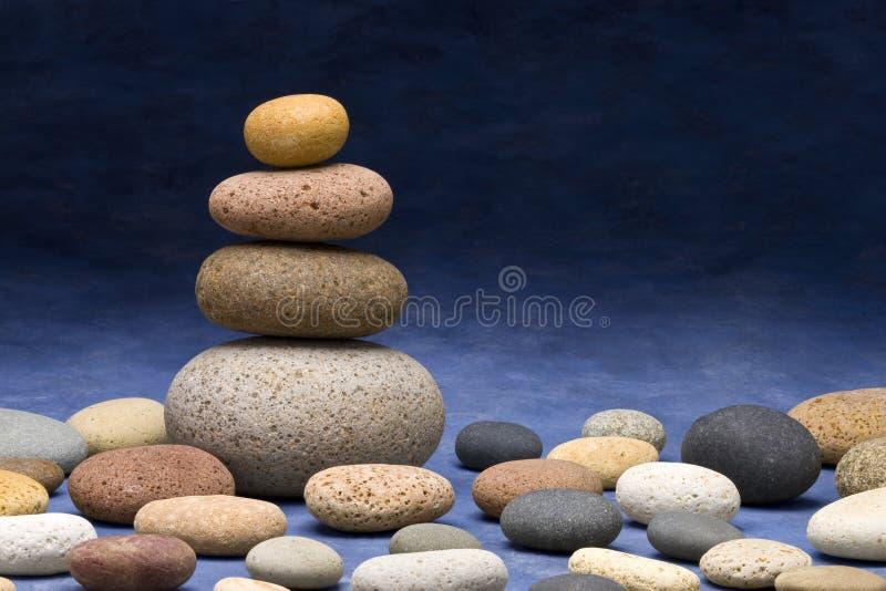 bakgrund staplade stenar royaltyfri bild