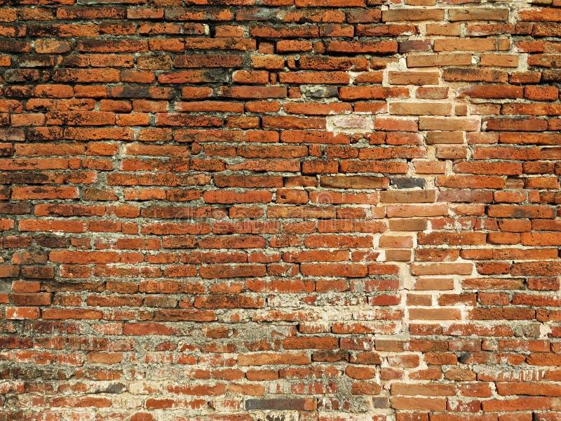 Bakgrund till gammal röd mursten/tegelväggen royaltyfria foton