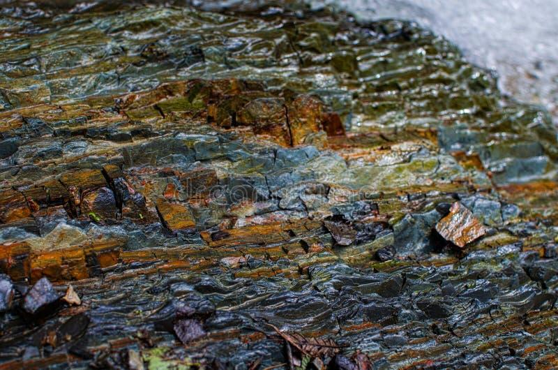 Bakgrunden av stenberg i den öppna luften i Carpathen arkivfoton