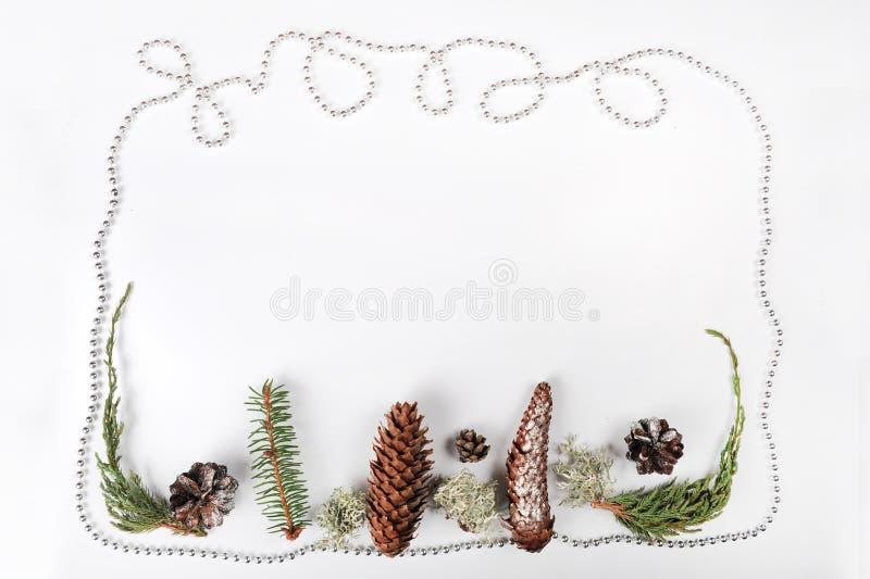 bakgrundskanten boxes vita guld- isolerade band för julgåvan royaltyfri fotografi