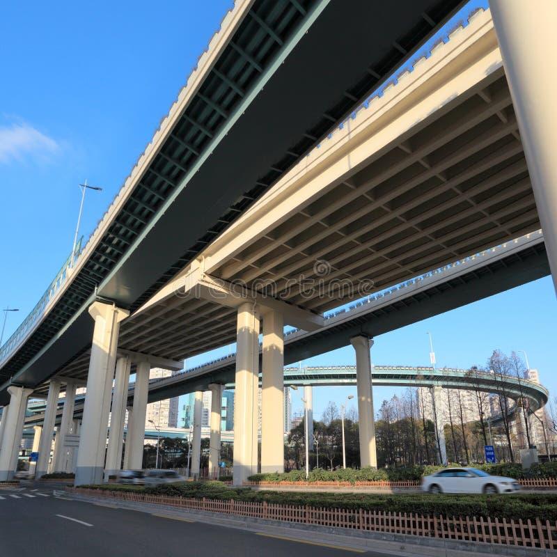 bakgrundstrafikviaduct royaltyfria bilder