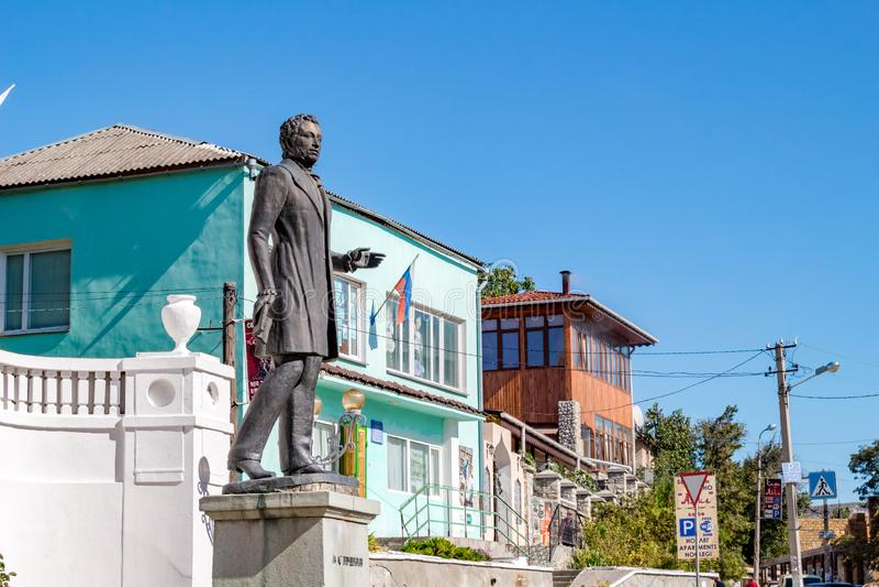 BAKHCHYSARAY, DE KRIM - SEPTEMBER 2014: Monument aan de dichter Alexander Pushkin in Bakhchisaray royalty-vrije stock afbeeldingen