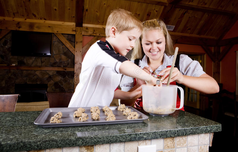 Download Baking Cookies Royalty Free Stock Images - Image: 10137439