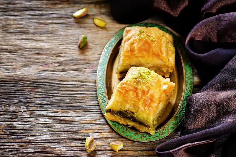 Baklava com pistache Prazer tradicional turco foto de stock