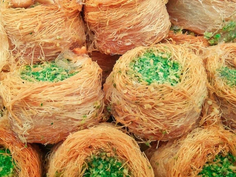 Baklava mit Pistazien - nahöstliche Bonbons stockfotografie