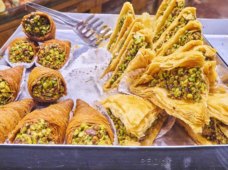 Baklava, uma sobremesa árabe tradicional fotografia de stock