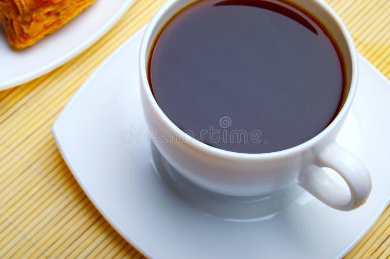 Baklava und Tasse Kaffee stockbilder