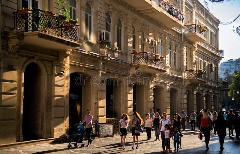 Bakou, Azerbaïdjan, rue centrale images stock