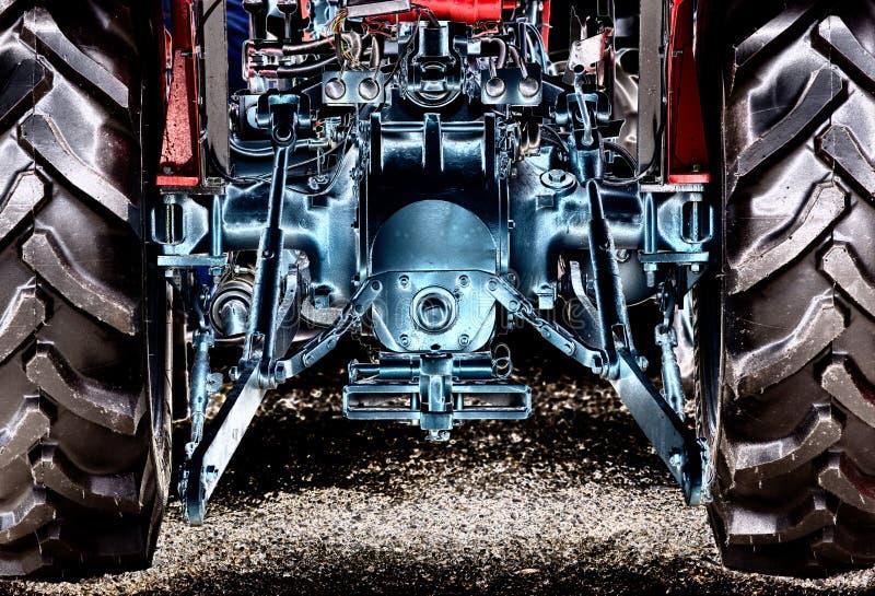 Bakre sikt av traktoren royaltyfri foto