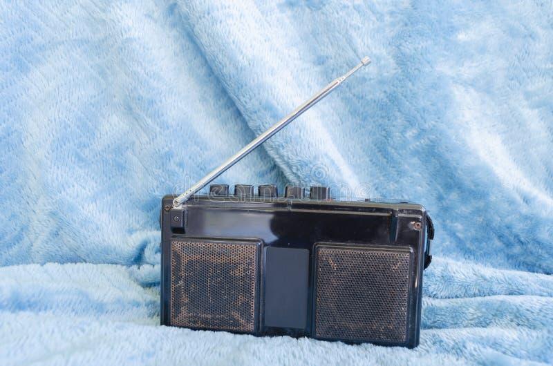 Baksida av gammal stereo för walkman AM/FM royaltyfri fotografi