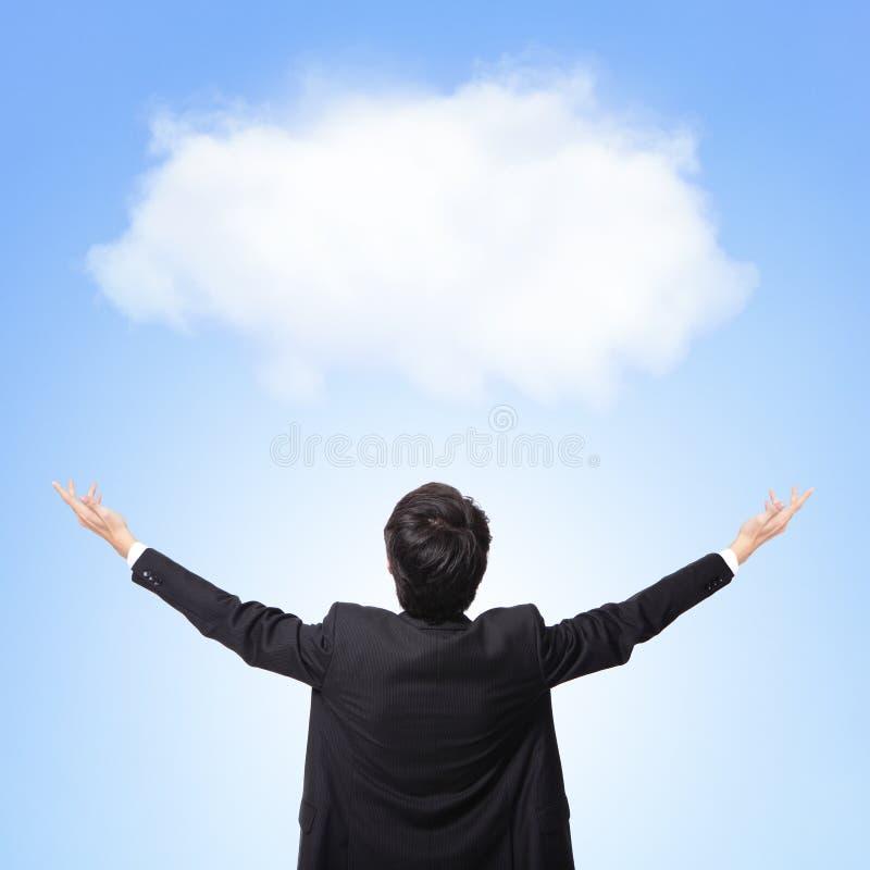 Baksida beskådar av molnet för vit för affärsmankramen royaltyfria bilder