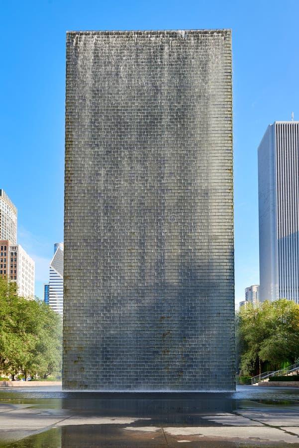 Baksidan av springbrunnen för kronan för Jaume Plensa ` s i millenium parkerar, Chicago fotografering för bildbyråer