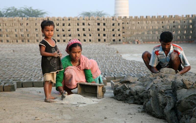 Baksteenfabriek in Saeberia, West-Bengalen, India stock foto