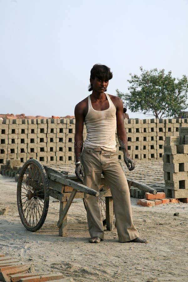 Baksteenfabriek in Sarberia, West-Bengalen, India stock afbeelding