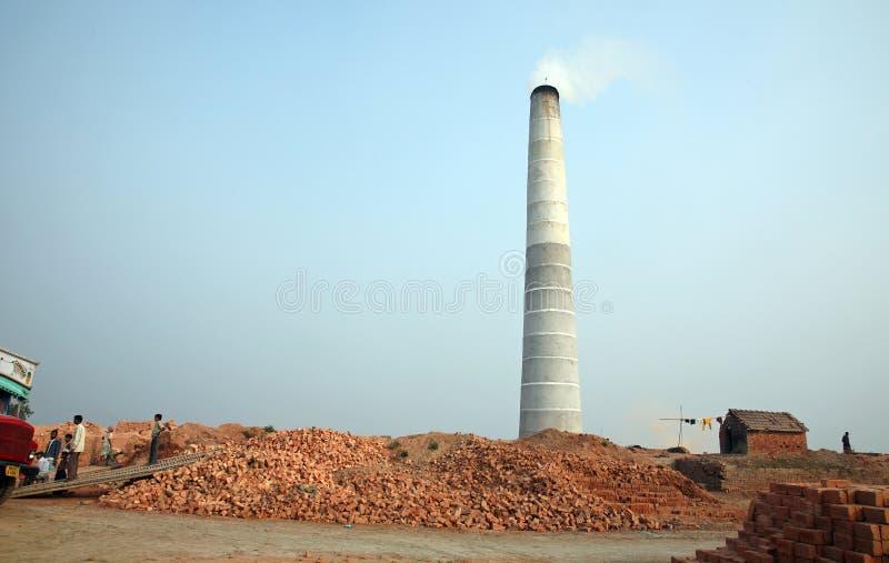 Baksteenfabriek in Sarberia, West-Bengalen, India stock foto's