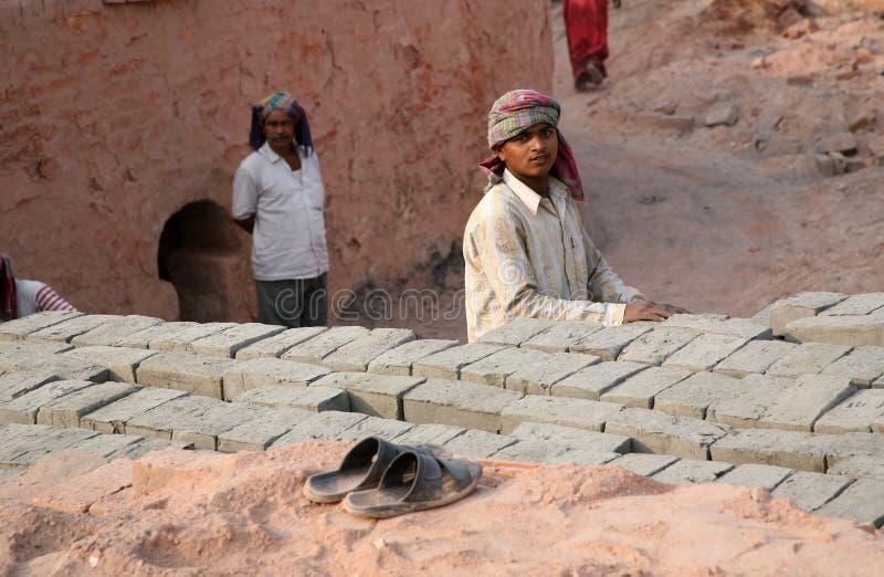 Baksteenfabriek in Sarberia, West-Bengalen, India royalty-vrije stock foto