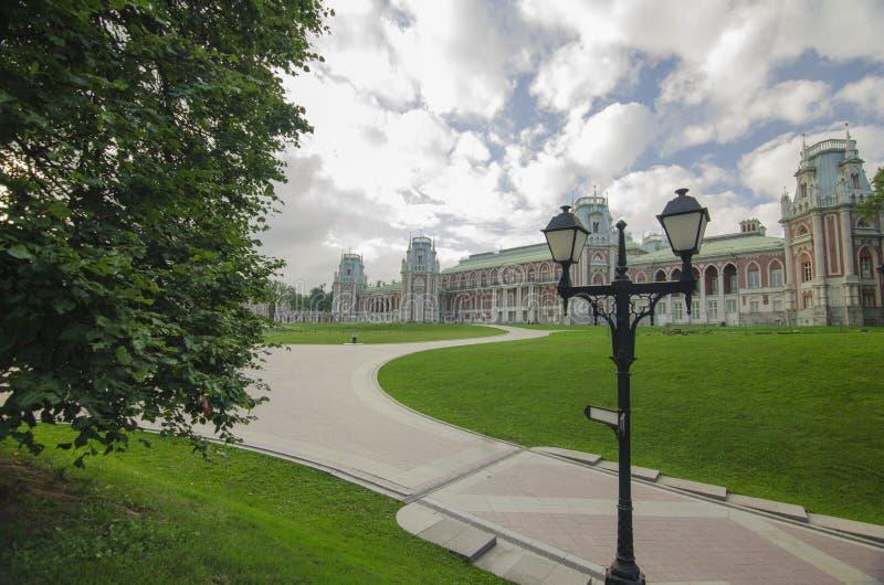 Baksteenkasteel in Tsaritsyno-park stock afbeelding