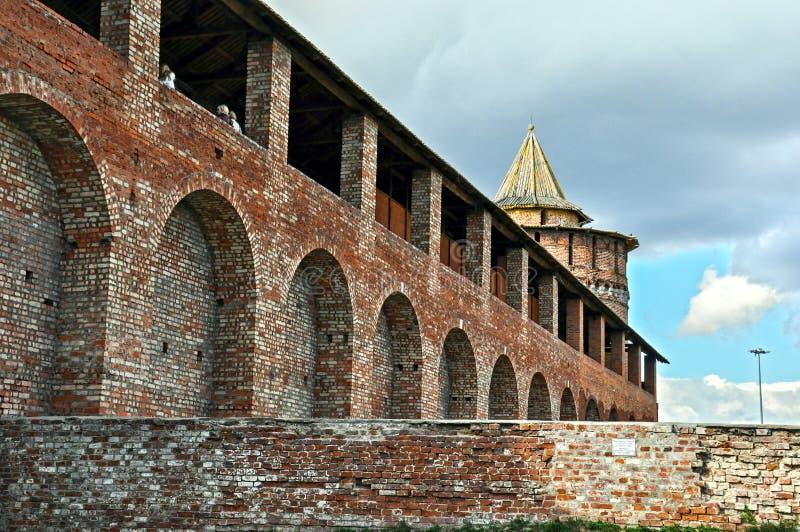 Bakstenen muur van het Kremlin, het gebied van Moskou, Rusland royalty-vrije stock afbeeldingen