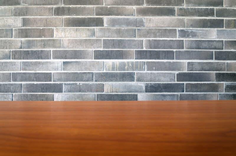 Bakstenen muurtextuur met hout stock afbeeldingen