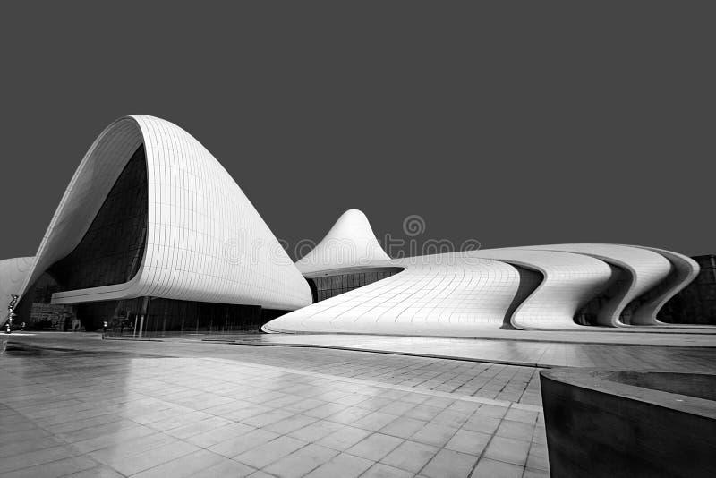 Baku Azerbajdzjan, kulturell mitt som namnges efter Heydar Aliyev arkivbilder