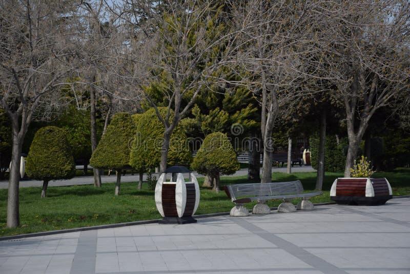 Baku Bench auf der Ufergegend stockbilder