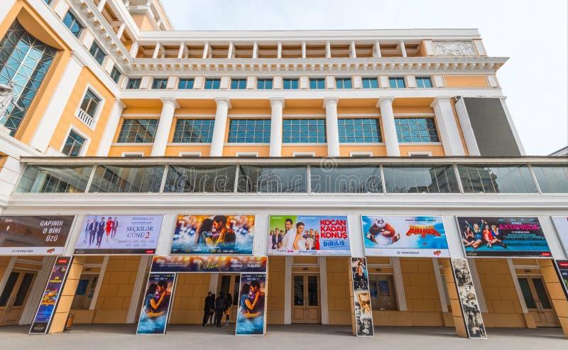 Baku City Nizami biobyggnad royaltyfria bilder