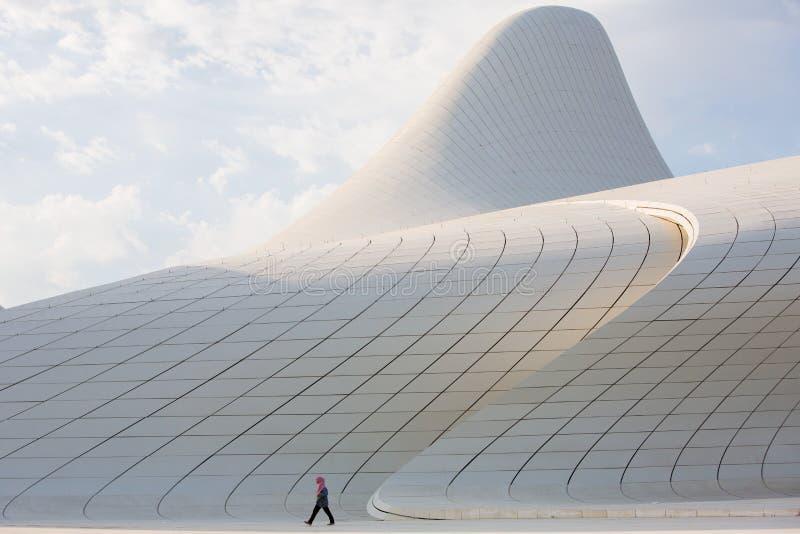 Baku Heidar Aliyev Cultural Center, Azerbeidzjan stock afbeeldingen