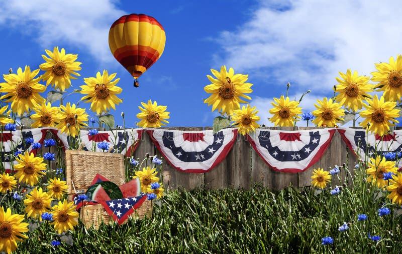 Balão de ar quente da cesta do piquenique imagem de stock royalty free