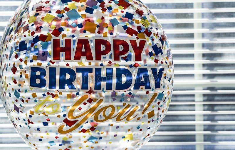 Balão do feliz aniversario fotografia de stock royalty free