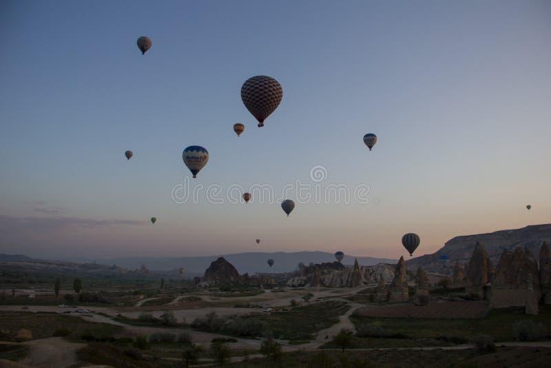 Balão no céu fotografia de stock
