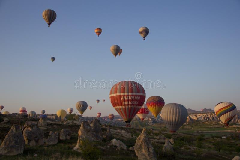 Balão no céu imagem de stock