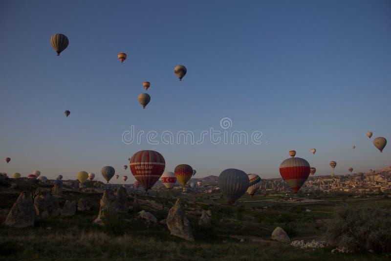Balão no céu foto de stock royalty free